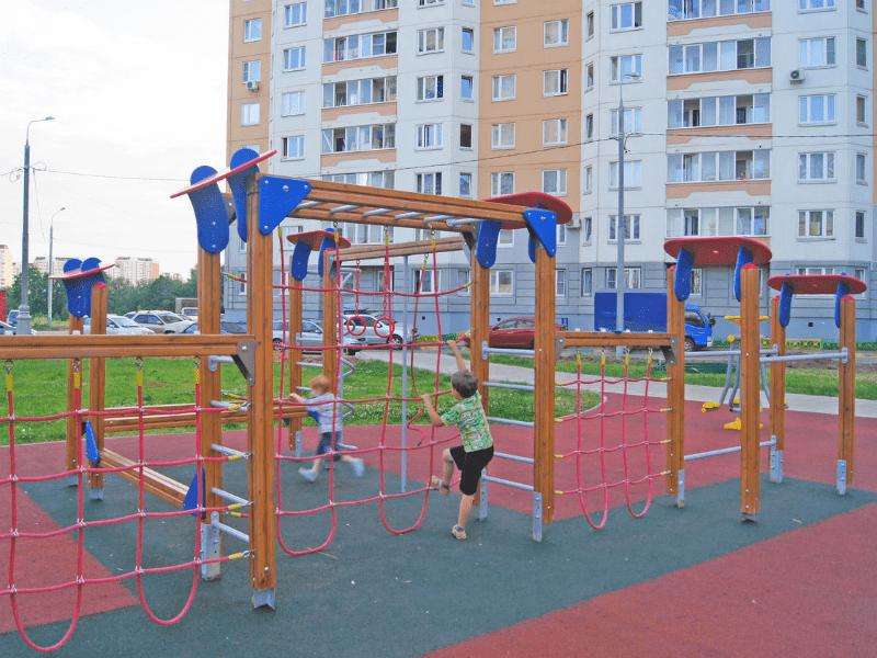 Спортивный комплекс во дворе